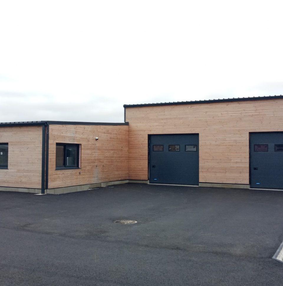 Réalisation de murs ossatures bois d'un bâtiment de 300 m2 en seulement 10 jours !